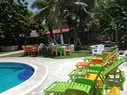 Cozumel hostel Amigos with large pool deck